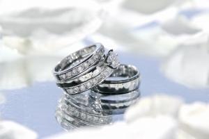 結婚指輪を探しているなら質の高いジュエリーブランドのある名古屋がおすすめ