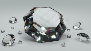 ダイヤモンドはブランドによって質が変わる?ダイヤを贈るメリットなどについて