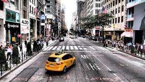 大阪でタクシードライバーの需要が高い理由とは?
