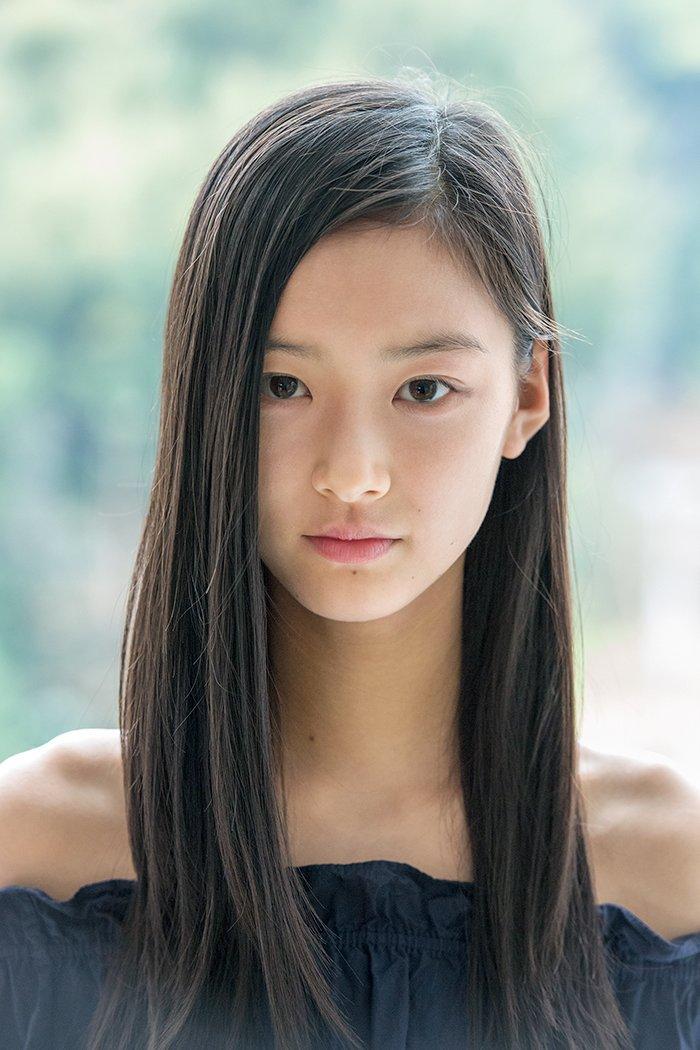 可愛すぎる現役高校生15歳の汐谷友希
