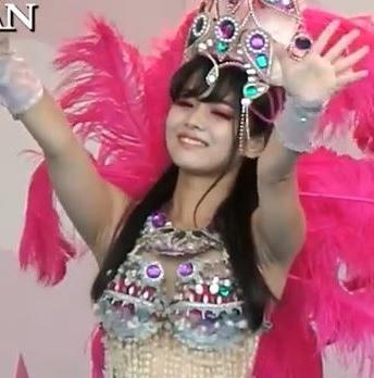 【サンバ画像集】ウニアン 紫色の美女ダンサー(大量画像100枚超)