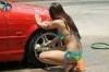 水着姿の女の子が洗車してくれる「ビキニ洗車」の画像と動画まとめ
